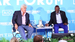 Pebble Beach Concours d'Elegance                              ​: Full Forum: Jay Leno & Donald Osborne at the 2017 Pebble Beach Classic Car Forum