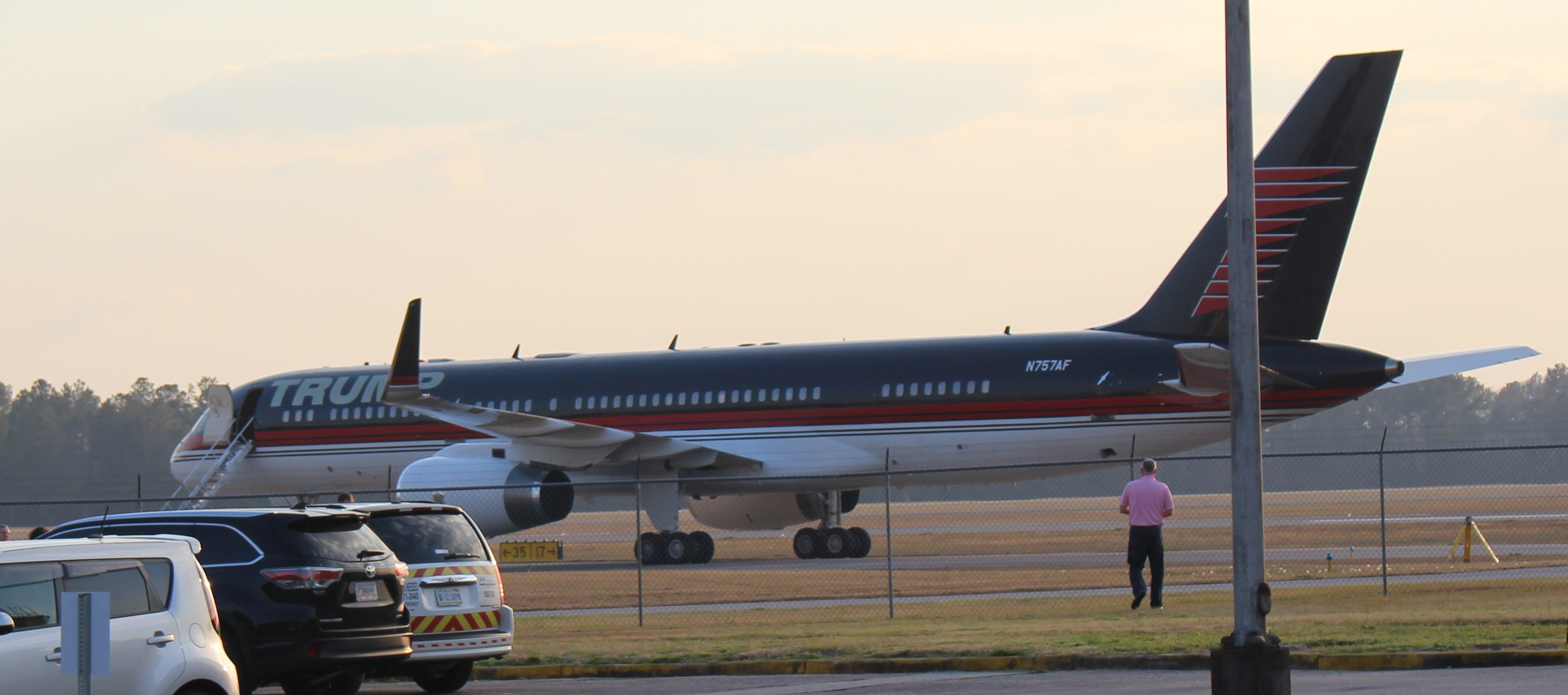 One of Trump's assets is a Boeing 757-200ER airliner.[164][165]