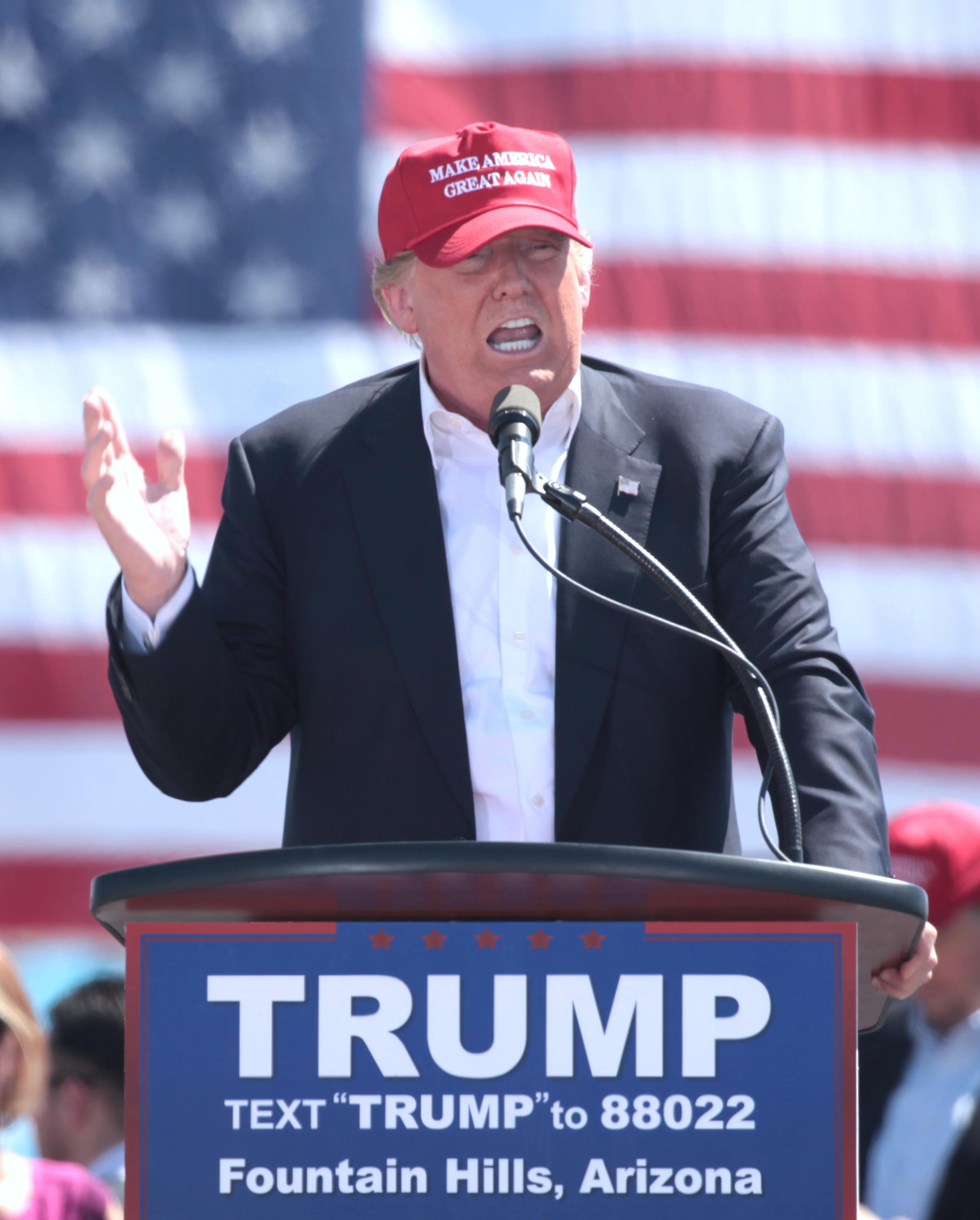Trump campaigning in Fountain Hills, Arizona, March 2016