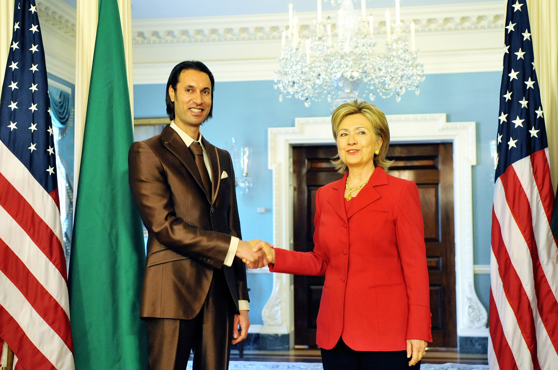 Gaddafi's son Mutassim with U.S. Secretary of State Hillary Clinton in 2009