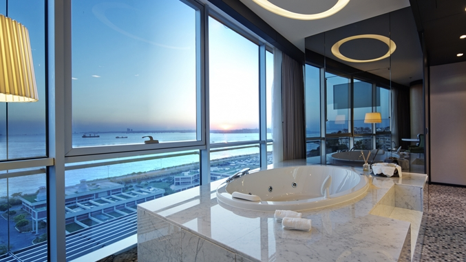 Presidential Suite Bathtub