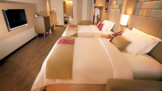 Twin Guestroom Beds Closeup