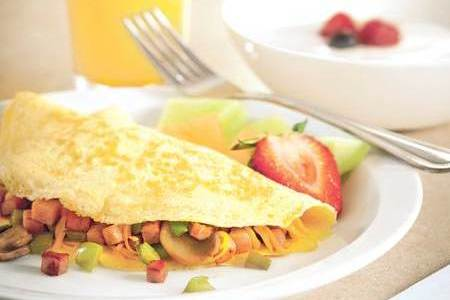 Complimentary, Hot Breakfast with Omelets