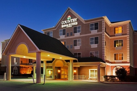 Welcome to the Country Inn & Suites, Calhoun, GA!