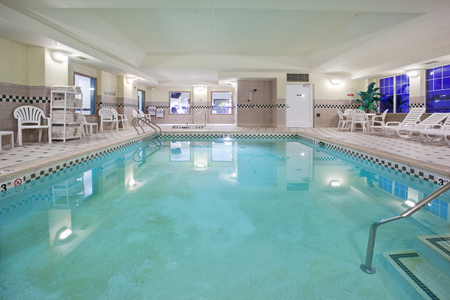 Country Inn & Suites Hotel's Pool in Denver