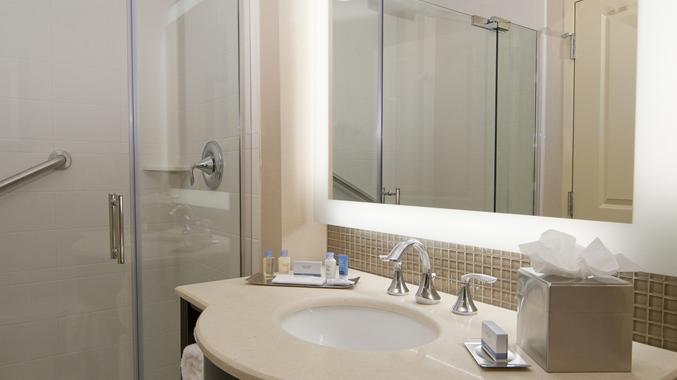 King Bed Standard Bathroom