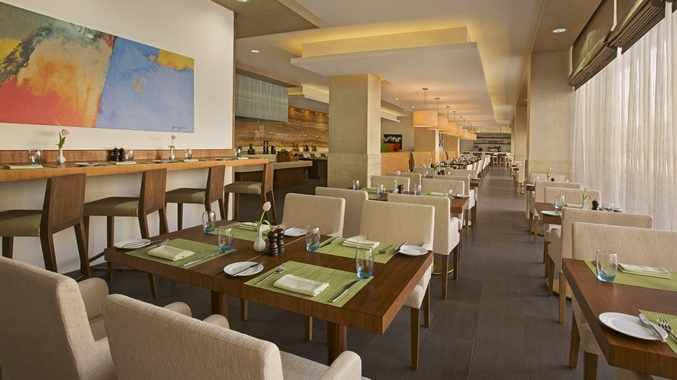 DoubleTree by Hilton Hotel and Residences Dubai – Bistro 55