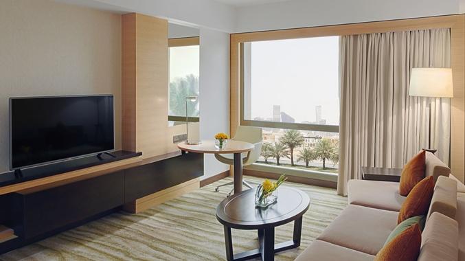 Corner suite livingroom
