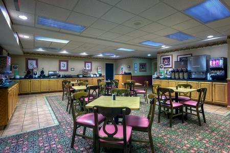 Free Roanoke Hotel Breakfast