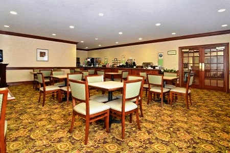 Complimentary Stone Mountain Hotel Breakfast at the Country Inn & Suites