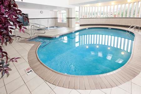 Hotel with an Indoor Pool in Woodbridge