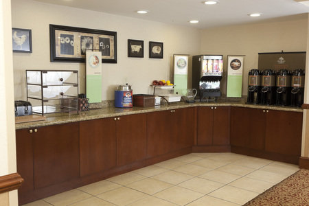 Woodbridge Accommodations with Complimentary Breakfast