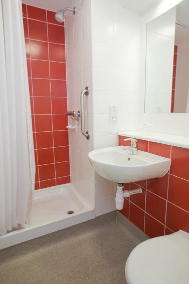 Heathrow Terminal 5 - Double bathroom