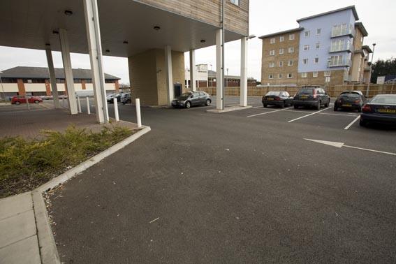 Sunbury M3 - Hotel car park