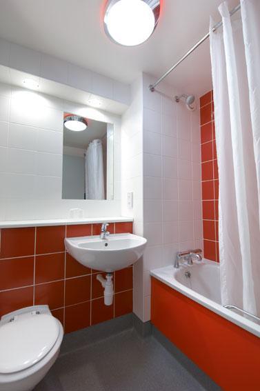Blackpool South Shore - Family bathroom