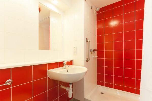 Brighton Seafront Hotel - Shower