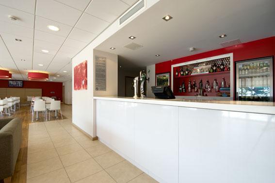 Edinburgh Airport Ratho Station - bar Cafe