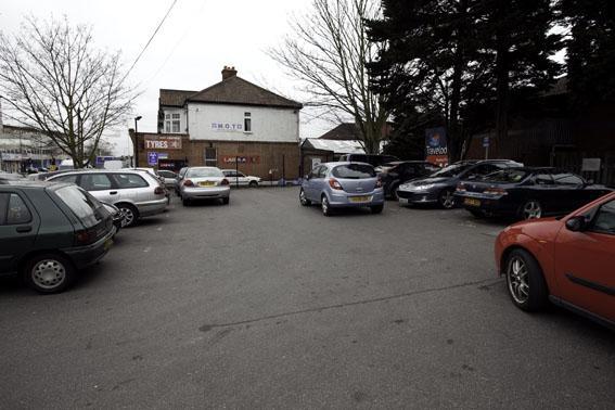 London Ilford Gants Hill - Hotel car park