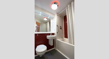 Birmingham Central Moor Street - Family bathroom