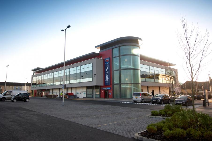 Llanelli Central - Hotel exterior