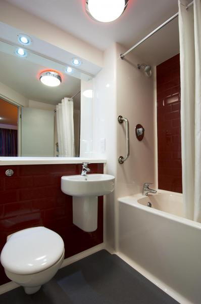 London Bromley - Family bathroom