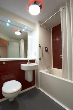 Aldershot - Family bathroom