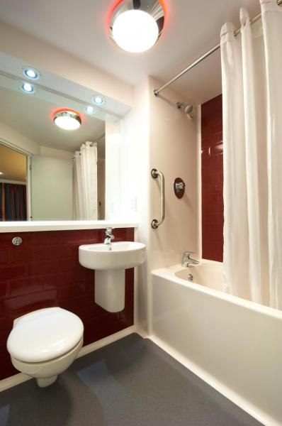 Hartlepool Marina - Family bathroom