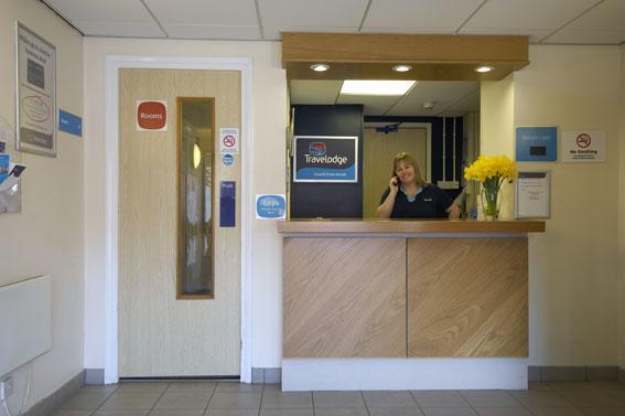 Llanelli Cross Hands - Hotel reception