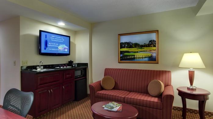 Junior Suite Living Rm