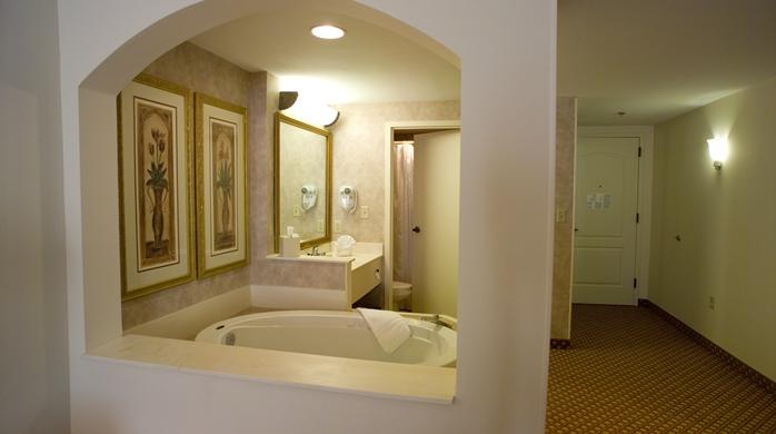 King Whirlpool Room