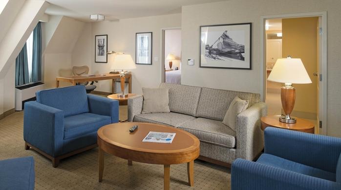 1 Bedroom Suite Higher Floor Seating Area