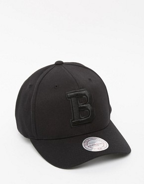Mitchell & Ness 110 Boston Bruins Snapback Cap