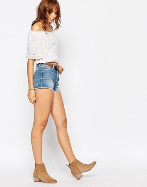 Pepe Jeans Low Waist Short With Raw Edge