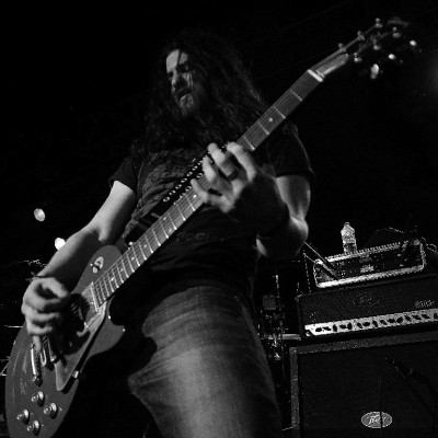 Andy Horne: Lead Vox/ Guitar