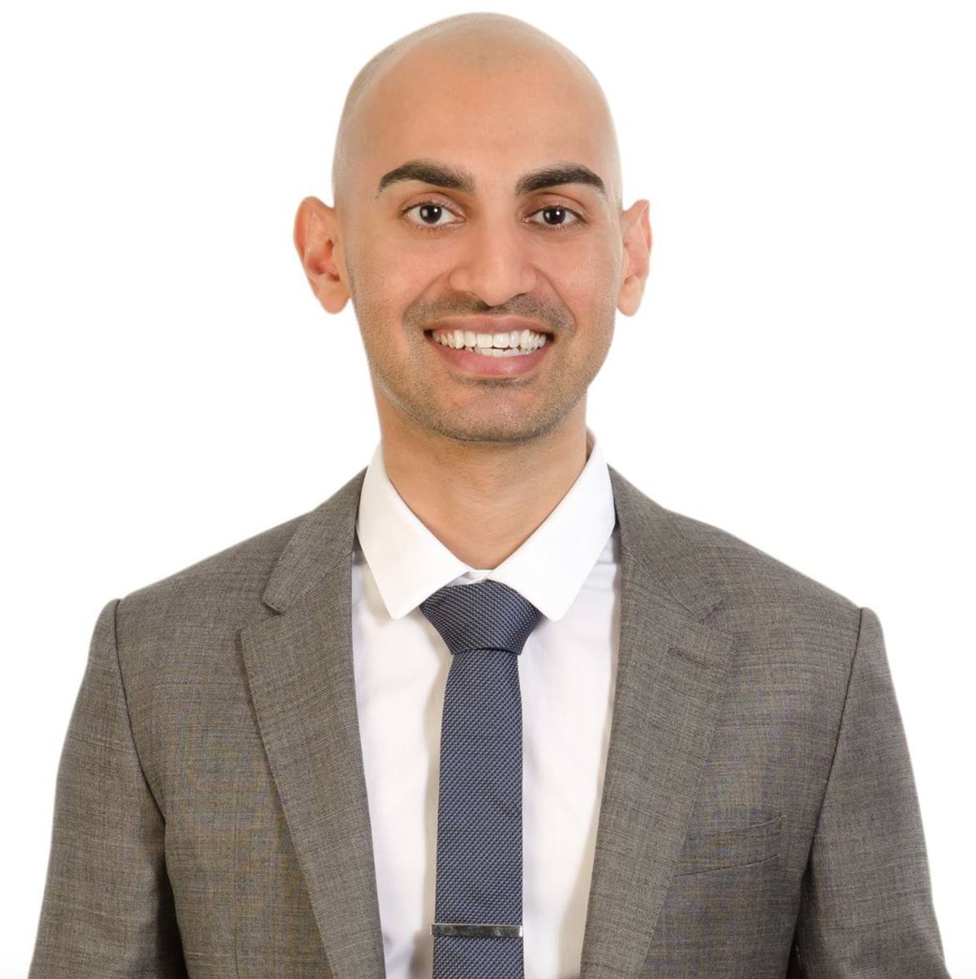 "Professional Photo of Patel. <span data-mce-style=""color: #71b8e4;"" style=""color: #71b8e4;""><a class=""tooltippableCarat"" data-cited_by=""ordazdon"" data-citer_is_verified=""1"" data-citer_rank=""Staff"" data-mce-href=""../../../../neil-patel/35962426/"" data-username=""https://www.facebook.com/neilkpatel/"" href=""../../../../neil-patel/35962426/""><sup>[1]</sup></a></span>"