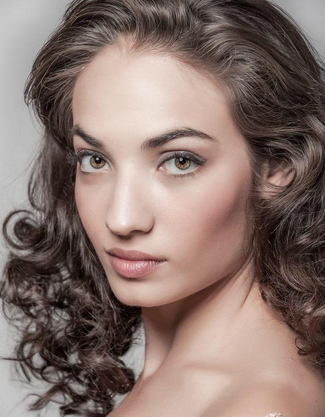 Christina Jolie Breza