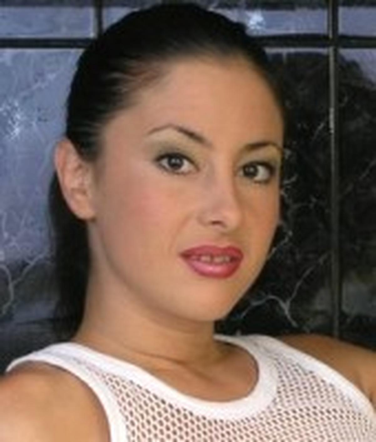 Elly Jaine