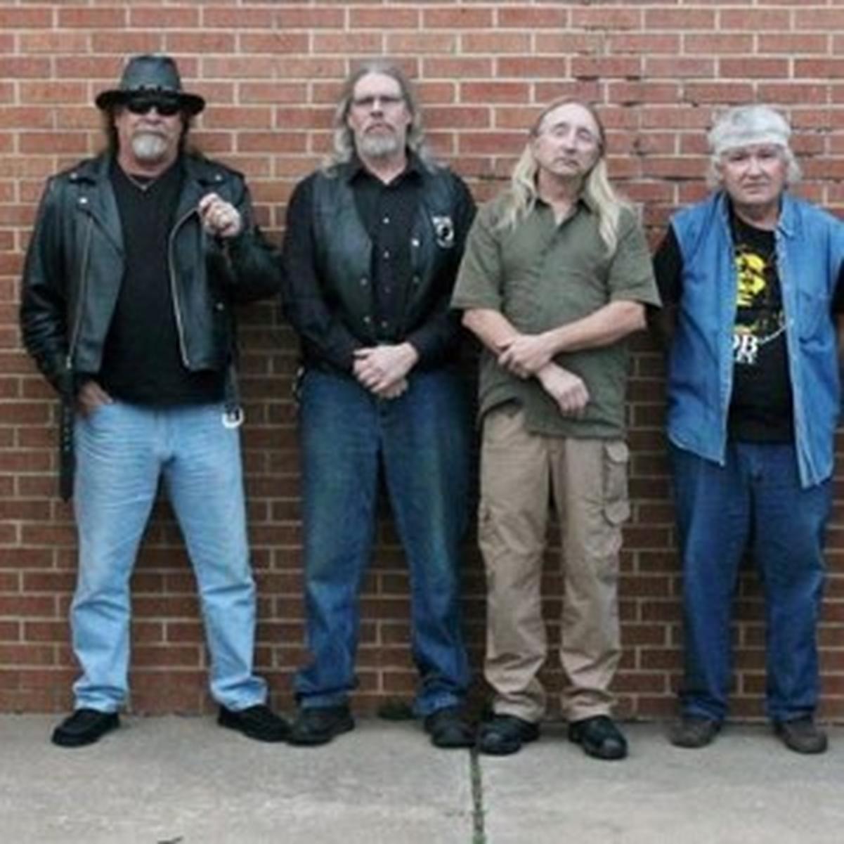 Kaps and Stems Band