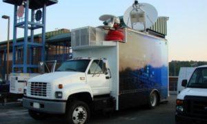 1999-GMC-6500-KU-Uplink-Truck