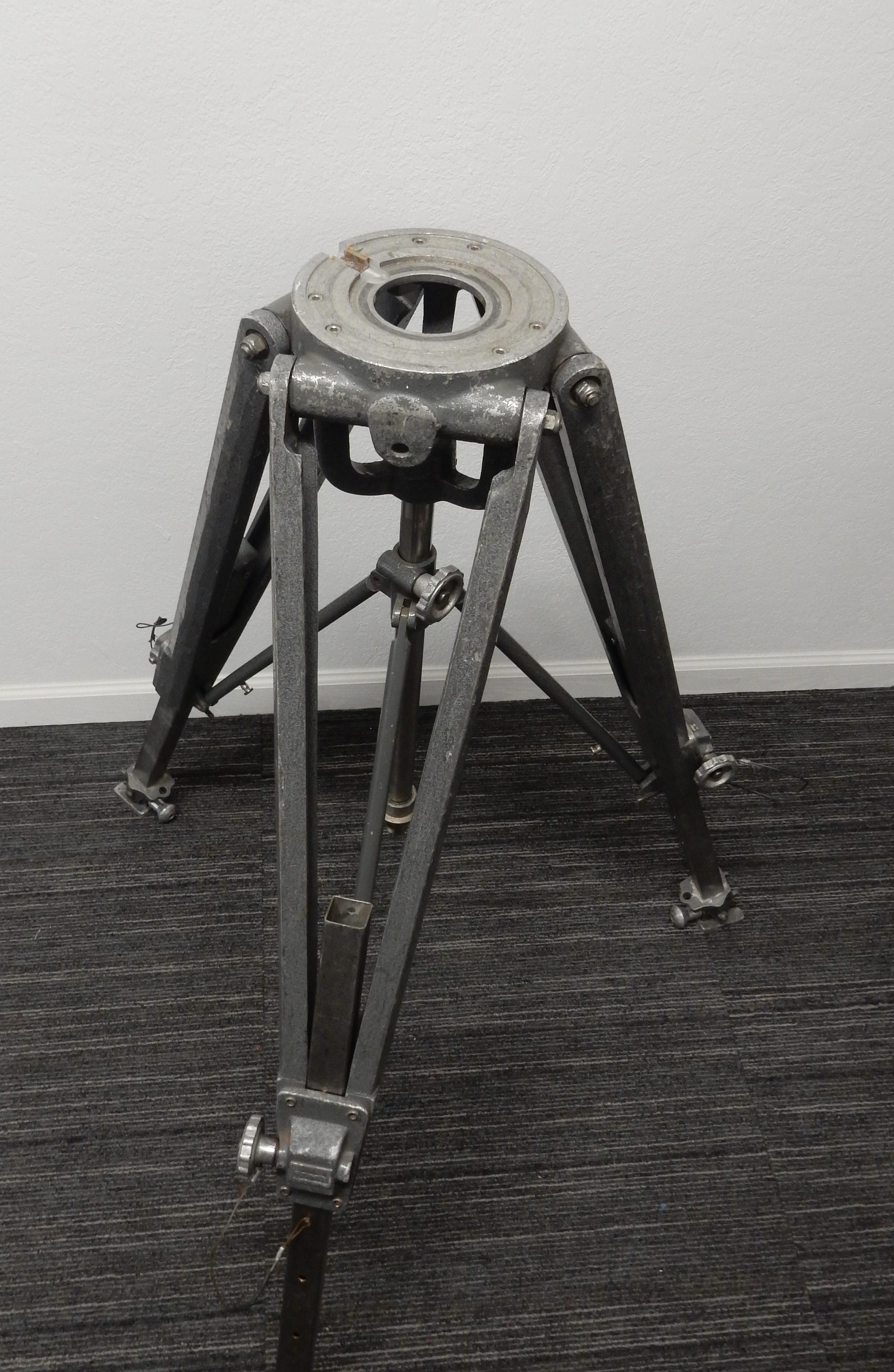 Matthews MT-1 Heavy Duty Tripod Legs