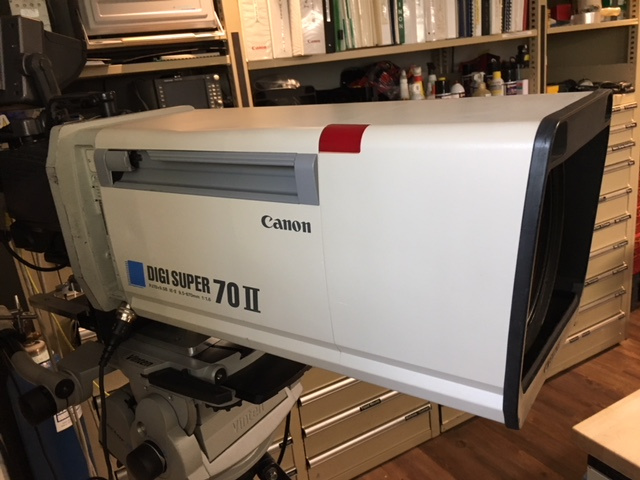 Canon Digi Super 70 II PJ70x9.5B Lens with Semi-Servo Controls and Sled