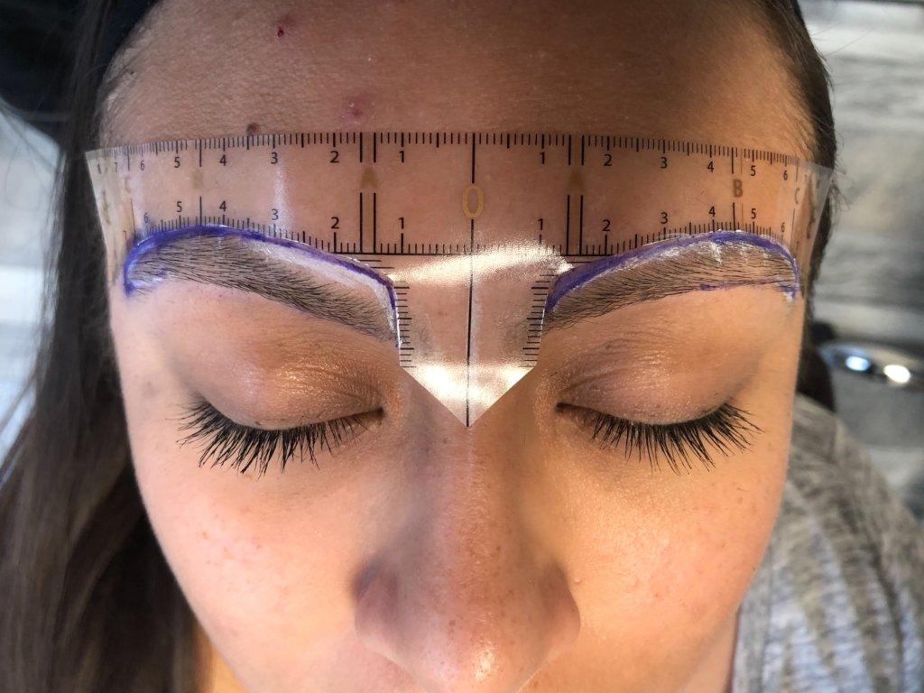 Brow Stencil Eyebrow Transplantation