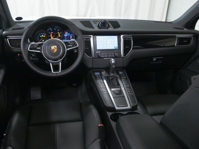 2018 Macan picture #11