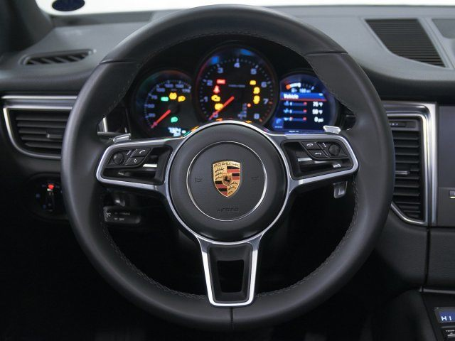 2018 Macan picture #12
