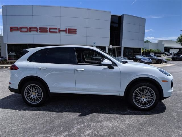2016 Cayenne AWD 4dr S picture #2
