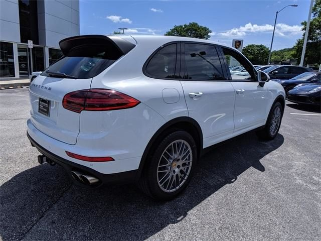 2016 Cayenne AWD 4dr S picture #3