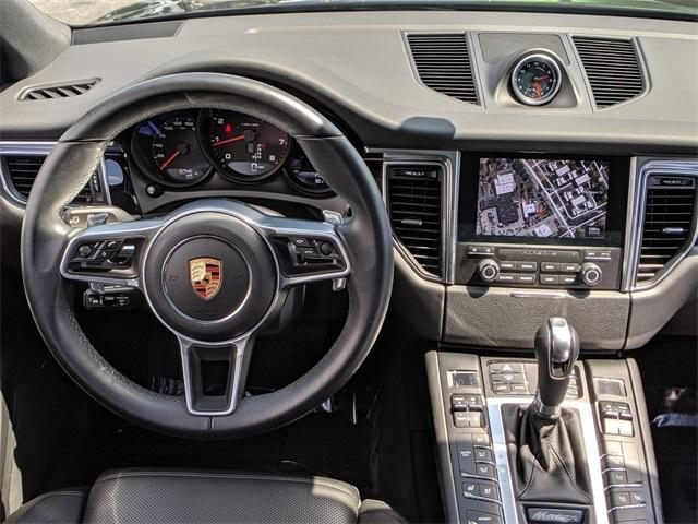 2018 Macan AWD picture #16