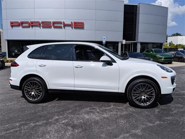 2017 Cayenne AWD picture #2