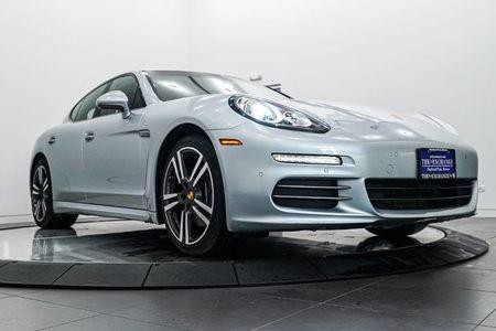 2016 Porsche Panamera 4 Edition picture #1