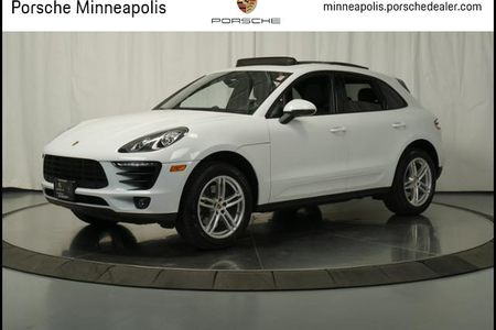 2018 Macan AWD picture #1